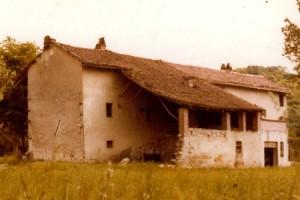 ImprendiNews – Cameloth, la casa da dietro in una foto d'epoca