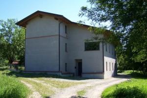 ImprendiNews – Cameloth, la casa da dietro dopo essere stata ristrutturata
